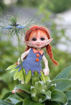 Fairy and world Elves And Fairies, Clay Fairies, Illustration Noel, Kobold, Elf Doll, Fairy Figurines, Baby Fairy, Polymer Clay Dolls, Fairy Dolls