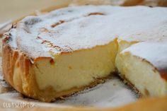 This eggless cheesecake recipe is the perfect option for vegans. A classic and delicious cheesecake which gives you the same taste as any other cheesecake. Eggless Cheesecake Recipe, Cooker Cheesecake, Low Carb Cheesecake, Jewish Desserts, Easy Desserts, Delicious Desserts, Yummy Food, Baking Recipes, Cake Recipes
