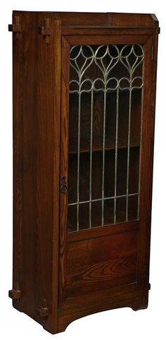 Early Limbert bookcase, in ash, single door with leaded organic design… Craftsman Style Furniture, Craftsman Style Bungalow, Craftsman Bungalows, Arts And Crafts Furniture, Furniture Projects, Bungalow Interiors, Mission Furniture, Art Nouveau Furniture, Stained Glass Patterns