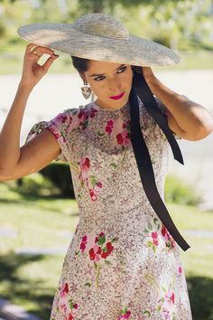 🌟Tante S!fr@ loves this📌🌟 Vestidos Zara, Ladies Luncheon, Dress Hats, High Society, Southern Style, Southern Comfort, Floral Midi Dress, Floral Style, Summer Colors