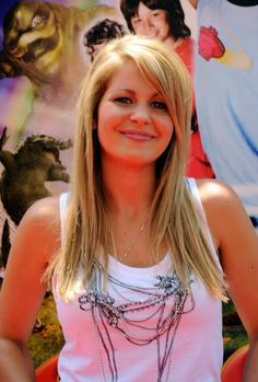 candace cameron bure actress candace cameron bure arrives at the Candice Cameron Bure, Candance Cameron, Celebrity Hairstyles, Blonde Hairstyles, World Most Beautiful Woman, Celebs, Celebrities, Hair Dos, Her Hair