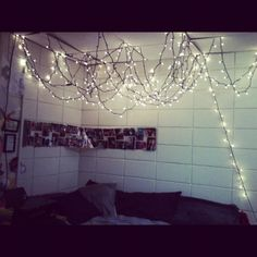 im in the midst of an obsession with christmas lights...and february is half over. delayed reaction much?