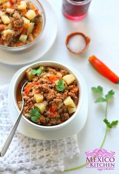 Picadillo Recipe - Ground beef and potatoes cooked in a tomato sauce is a dish known as picadillo sencillo, or carne molida con papas. Meat Recipes, Mexican Food Recipes, Dinner Recipes, Cooking Recipes, Healthy Recipes, Vegetarian Recipes, Quick Recipes, Chicken Recipes, Healthy Food
