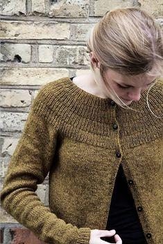 Ravelry: Anker& Cardigan & My Size Pattern av PetiteKnit & Simple Crafts Knit Cardigan Pattern, Sweater Knitting Patterns, Knitting Designs, Knit Patterns, Hand Knitting, Raglan, Knit Or Crochet, Pulls, Knitwear