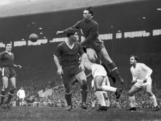 April Manchester United goalkeeper Ray Wood punches clear against Real Madrid watched by Bill Foulkes, Duncan Edwards and Alfredo Di Stefano in the European Cup semi Final Leg. Duncan Edwards, Manchester United Transfer News, Bristol Rovers, Class Games, Association Football, European Cup, Old Trafford, Semi Final, Fa Cup