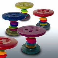 .Fairy garden tables from buttons @April Strawn ... i have some buttons if you want to have them!