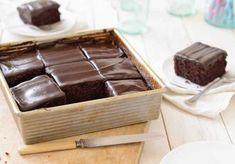 King Arthur Flour's Original Cake Pan Cake - A dark, moist chocolate cake, simple to put together. Brownies, Chocolate Stout Cake, King Arthur Chocolate Cake Recipe, Simple Chocolate Cake, Chocolate Frosting, Cake Recipes, Dessert Recipes, King Arthur Flour, Gourmet