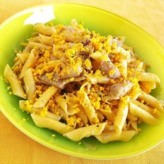 #OggiLucianaMosconi: #garganelli mignon #lucianamosconi con #carciofi al #limone e #tuorlo d'#uovo sbriciolato.