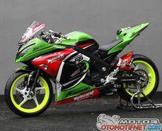 Kawasaki Bikes, Kawasaki Ninja, Motorcycle Baby, Custom Sport Bikes, Yamaha R6, Padang, Bike Ideas, Sportbikes, Valentino Rossi