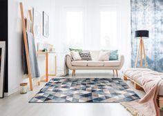 Letisztult mintáinak köszönhetően bármely nappaliba vagy hálószobába könnyen beilleszthető. A polipropilén alapanyagból készült szőnyeg könnyen kezelhető és tisztítható. Selection kollekciónk különleges darabjai egyedileg rendelhetőek, a termékeket vásárlói megrendelés alapján biztosítjuk. Contemporary, Modern, Rugs, Home Decor, Farmhouse Rugs, Trendy Tree, Decoration Home, Room Decor, Home Interior Design