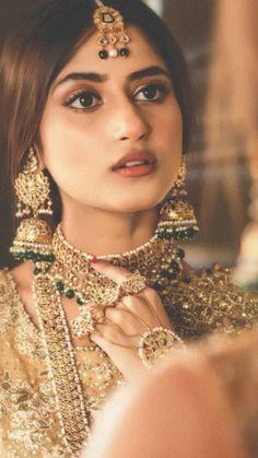 jewellery to wear with punjabi jutti #GoldJewelleryPakistani #PunjabiGoldJewellery