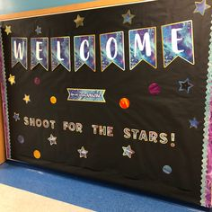 Give your classroom style that inspires with motivational décor and bulletin board displays. Space Theme Classroom, Reggio Classroom, Classroom Board, 4th Grade Classroom, New Classroom, Classroom Organization, Bulletin Board, Classroom Decor, Theme Galaxy