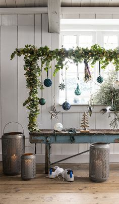 Kerst 2019 trends: Mystic nature - Roomed - Apocalypse Now And Then Green Christmas, Simple Christmas, Winter Christmas, Vintage Christmas, Christmas 2019, Easy Christmas Decorations, Christmas Crafts, Holiday Decor, Christmas Trends