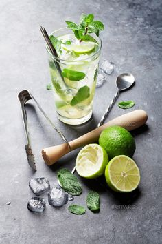 Mojito cocktail by karandaev. Mojito cocktail on dark stone table Mojito cocktail by karandaev. Mojito cocktail on dark stone table Mojito Cocktail, Amazing Food Photography, Food Photography Styling, Food Styling, Cocktail Photography, Coffee Photography, Mojito Receta Original, Gourmet, Gastronomia