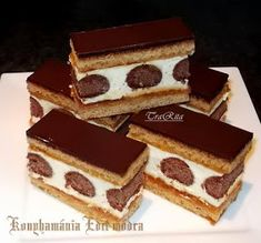 Hasznos cikkek és receptek: Pöttyös mézes Hungarian Desserts, Hungarian Recipes, No Bake Desserts, Dessert Recipes, Sweets Cake, Food Cakes, Creative Cakes, International Recipes, Cakes And More