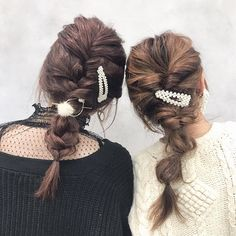 コテもピンも不要!外出先でもパパッと可愛い「ゴムだけ」アレンジ - LOCARI(ロカリ) Hair Arrange, Pony, Hair Beauty, Dreadlocks, Hair Styles, Fashion, Moda, Hairdos, Fasion