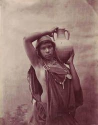 Beduina tunecina 1880. Foto de Garrigues