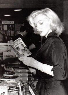 Marilyn Monroe was well read.