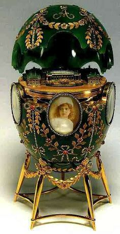 Magnificent Fabergé Egg, hand painted with portraits of the five imperial children of Tsar Nicholas II of Russia and Tsarina Alexandra . Olga, Tatiana, Maria, Anastasia and the young heir apparent Tsarevich Alexei Romanov. Tsar Nicolas Ii, Tsar Nicholas, Art Nouveau, Fabrege Eggs, Alexandra Feodorovna, Art Sculpture, Imperial Russia, Egg Art, Saint Petersburg