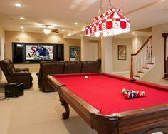 Mesa de bilhar, bar e minicinema são algumas das atrações destes espaços feitos para eles relaxarem e se divertirem com os amigos.
