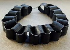 spin on creativity: DIY Louis Vuitton Paper Chain Necklace Leather Chain, Leather Necklace, Leather Jewelry, Leather Bag, Black Leather, Leather Jacket, Recycled Jewelry, Handmade Jewelry, Bracelets