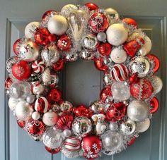 Snowman Ornament Wreath - 30 Beautiful And Creative Handmade Christmas Wreaths by tinasenack Christmas Ornament Wreath, Snowman Ornaments, Vintage Christmas Ornaments, Holiday Wreaths, Holiday Crafts, Christmas Decorations, Snowman Wreath, Bauble Wreath, Diy Snowman