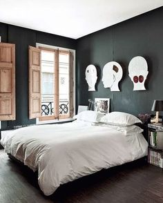 *Love the windows. I also like this wall color with the white duvet.