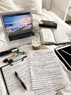 School Organization Notes, Study Organization, School Notes, Study Pictures, Study Photos, College Motivation, Study Motivation, School Study Tips, Study Space