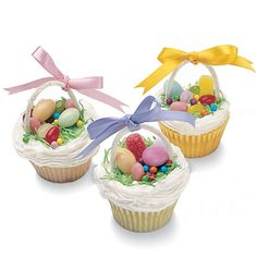 Easter Basket Cupcakes from FamilyFun magazine.