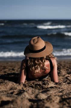 Photography poses beach Ideas for 2019 Beach Photography Poses, Portrait Photography, Photography Tours, Photography Lighting, Newborn Photography, Nature Photography, Beach Foto, Photo Lovers, Shotting Photo