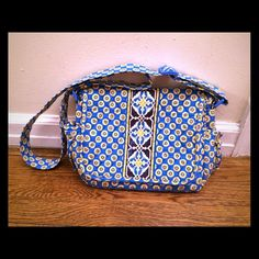 [REDUCED] Very Bradley cross-body bag! Brand new. Only used once. Make me an offer using the new offer feature, as I will no longer negotiate prices in the comments section. Thank you. Vera Bradley Bags Crossbody Bags