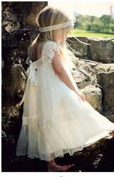 Vestido infantil rendado