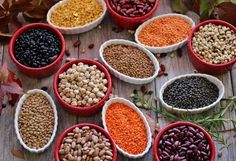 Get familiar with different legumes which include different types of beans, peas and lentils detailed description and pictures. Learn the healthier home cooking method for different types of legumes. Metabolism Boosting Foods, Boost Your Metabolism, Slow Food, E Mtb, Types Of Beans, Four Micro Onde, Folic Acid, Dried Beans, Weight Loss Diet Plan