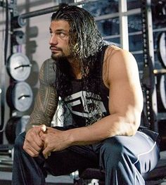 Roman Reigns like you've never seen him before! Wwe Superstar Roman Reigns, Wwe Roman Reigns, Roman Reigns Wwe Champion, Roman Reigns Dean Ambrose, Roman Regins, Best Wrestlers, Roman Warriors, Deep Set Eyes, Wrestling Superstars