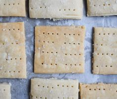 Light and delicious recipe for low-FODMAP Butter Crackers with Sea Salt. Gluten-free and IBS-friendly! Lactose Free Milk, Sem Lactose, Homemade Butter, Homemade Cookies, Sans Gluten, Gluten Free, Butter Crackers, Silicone Baking Sheet, Low Fodmap