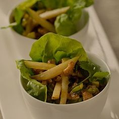 ASIAN-STYLE PORK LETTUCE WRAP RECIPE WITH PEARS Pork Lettuce Wraps, Lettuce Wrap Recipes, Pear Recipes Breakfast, Dinner Options, Food Lists, Fall Recipes, Pears, Asian Style, Lunch Ideas