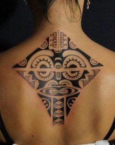 tatouage tribal femme maori dos