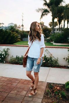 How to style Bermuda shorts: 14 outfit ideas you& love - Modest O . - How to style Bermuda shorts: 14 outfit ideas you& love – Modest Outfits for Summer – - Jean Short Outfits, Modest Summer Outfits, Modest Shorts, Spring Outfits, Summer Casual Outfits For Women, Casual Summer Fashion, Summer Tomboy, Holiday Outfits, Winter Outfits