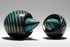 moss_squid2 Raku Pottery, Muse Art, Porcelain Clay, Wall Sculptures, Sculpture Art, Contemporary Ceramics, Metal Clay, Clay Art, Ceramic Art