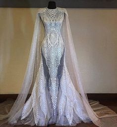 this could be the closest to a super hero wedding dress. Dresses Elegant, Pretty Dresses, Evening Dresses, Prom Dresses, Formal Dresses, Fantasy Dress, Mode Outfits, Beautiful Gowns, Dream Dress