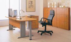 #axus #biurko w biurze ze strony http://www.arteam.pl/kolekcja/meble-pracownicze/axus/
