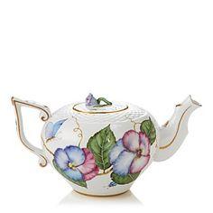A tea pot worth dressing up for. #100PercentBloomies