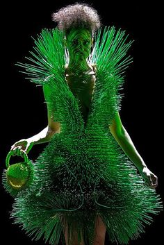 Ahhhh......hmmm? A bit prickly don't you say?       Tree Girl by Toon Van Stralen (design by Pim van den Akker)