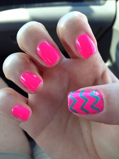 Chevron nails for the beach!!