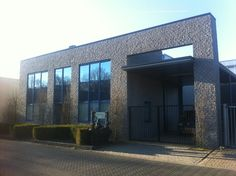 Ons CarHeal Competence Center centraal bij de A1/A30
