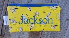 Hey, I found this really awesome Etsy listing at https://www.etsy.com/listing/465797084/minions-insulated-zippered-snack-pouch