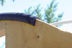 Copper pipe insulation covers the rough edge of the plywood so that the greenhouse plastic doesn't get worn Heating A Greenhouse, Greenhouse Cover, Build A Greenhouse, Greenhouse Gardening, Greenhouse Ideas, Grand Serre, Serre Tunnel, Pipe Bookshelf, Raspberry Bush