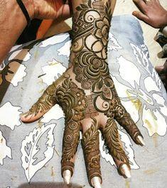 Finely Chosen Best Mehandi(Henna) Designs Of The Year Dubai Mehendi Designs, Rose Mehndi Designs, Khafif Mehndi Design, Latest Henna Designs, Mehndi Designs For Girls, Mehndi Designs For Beginners, Modern Mehndi Designs, Mehndi Designs For Fingers, Wedding Mehndi Designs