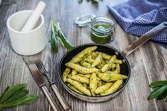 Einfaches Rezept für Schupfnudeln mit Bärlauchpesto. Ein feines Frühlingsrezept mit hausgemachtem Pesto.
