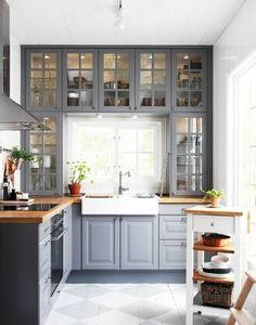 Тренд сезона: кухня под окном
